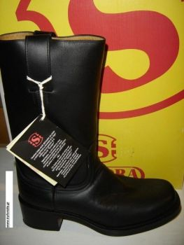Casual sendra boots